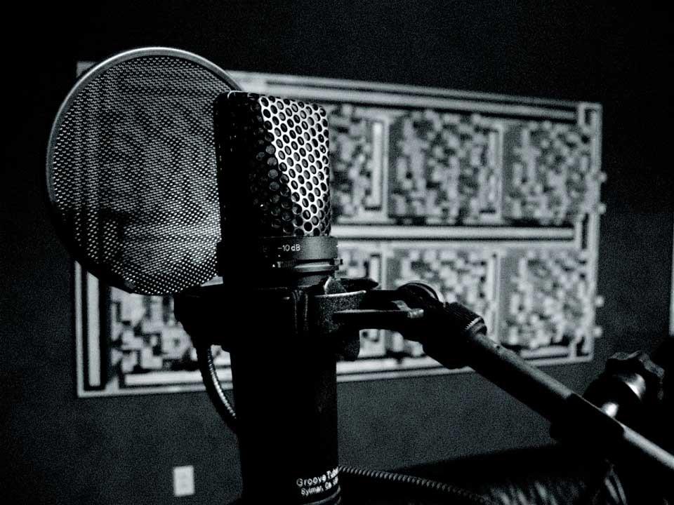 چگونه یک میکروفن استودیویی انتخاب کنیم؟