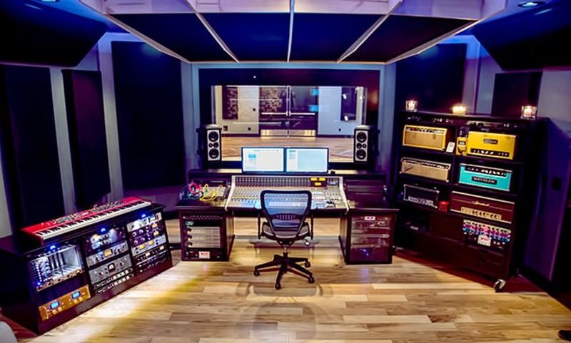 نحوی جایگذاری تجهیزات در استودیو های موسیقی به چه صورتی خواهد بود ؟
