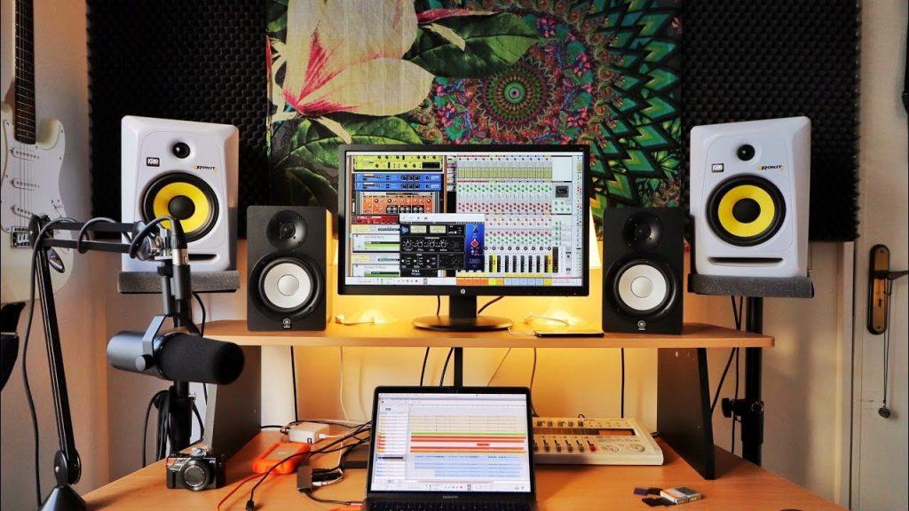 در استودیو های موسیقی حرفه ای برای جلوگیری از رد و بدل کردن صدا چه کار هایی انجام می دهند ؟