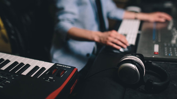 پلاگین آهنگسازی چیست